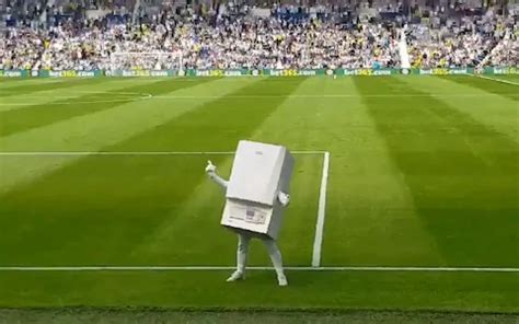 Modern Football Is Rubbish: West Brom New Matchday Mascot