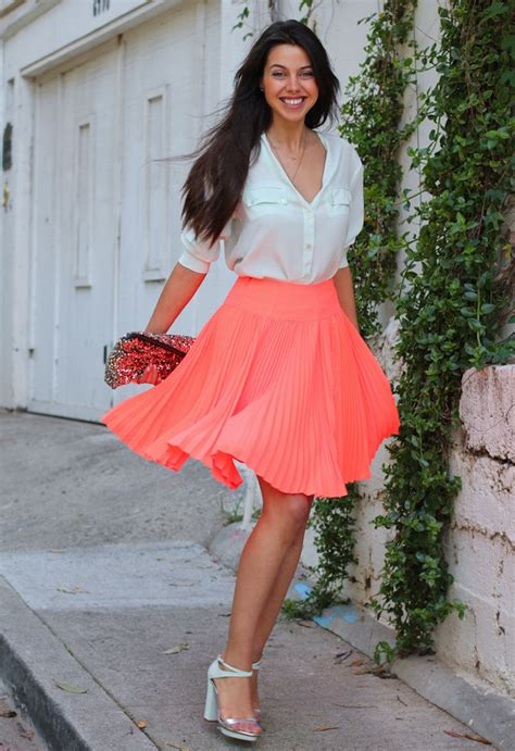 The Fashion Guide For Spring/Summer 2014 Suggests Pleated