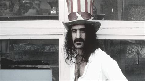 WATCH: Holographic Frank Zappa 'responds' to censorship
