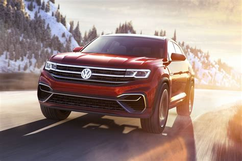 VW's Cross Sport concept will hypnotize you with its