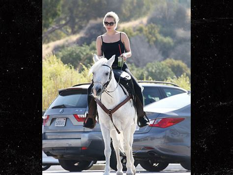 Lady Gaga Learns Horse is Dying After Winning Critics